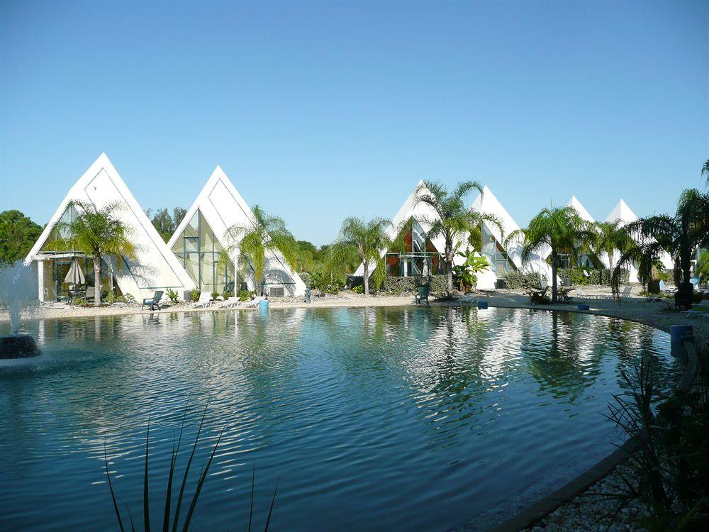 Pyramids Kirk Nielsen